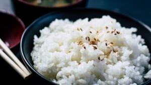 【一人用の炊飯器】ダイソー レンジで一合炊き と 山善 RICE COOKER で炊いた結果